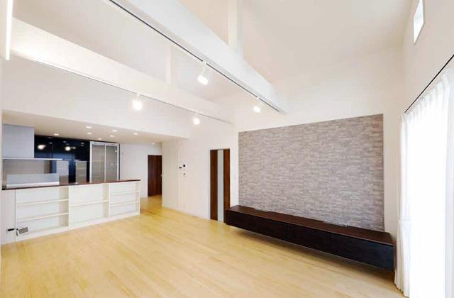 七呂建設 霧島市国分にて「全室無垢材で家事ラクな暮らし 2つのリビングに憩う4LDK平屋」の完成見学会