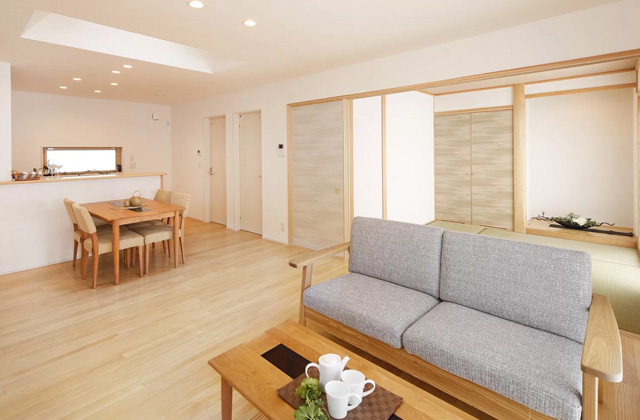 ヤマサハウス 鹿児島市中山町にて注文住宅「ウッドデッキと庭のある2階建ての家」の完成見学会
