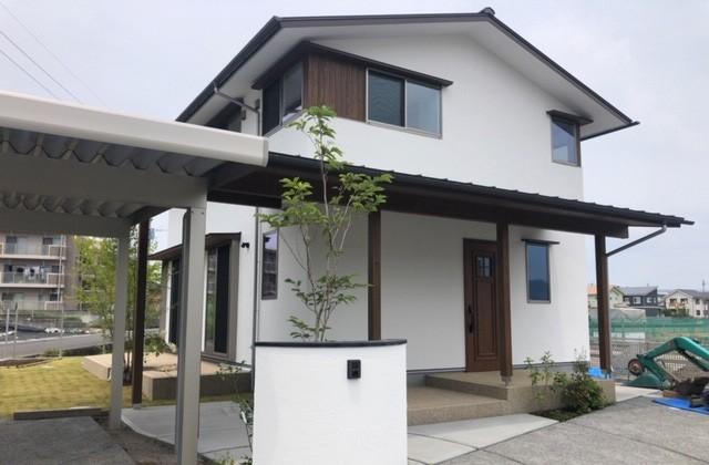 住まいず 霧島市国分広瀬にて本物の木の家「コの字型キッチンのあるお家」の完成見学会