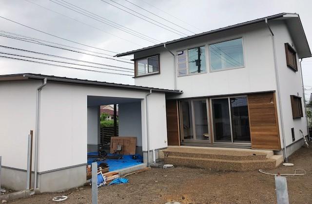 住まいず 霧島市隼人町にて「2台分のビルトインガレージのある家」の完成内覧会