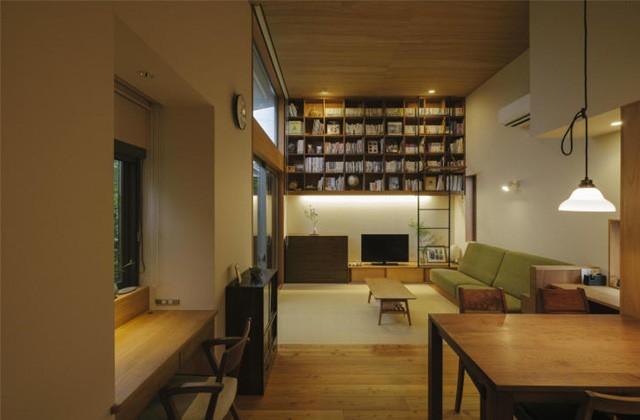 ベガハウス 鹿児島市西陵にて「リビングに大きな本棚がある家」のライフスタイル見学会