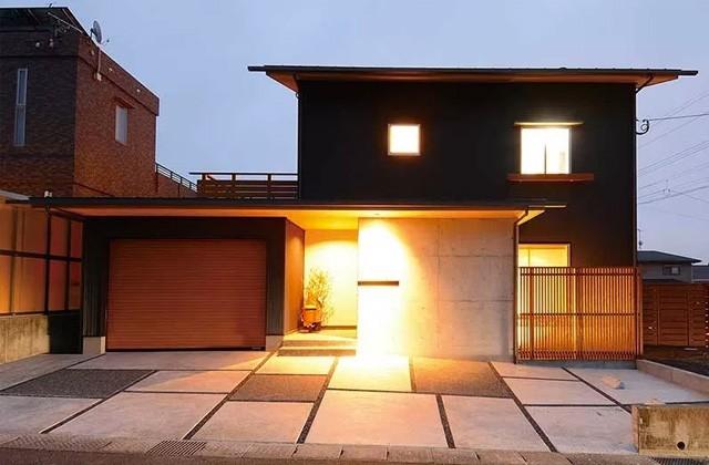 ベルハウジング 鹿児島市吉野町にて「ビルトインガレージと暖炉や庇デッキのある家」のお住まい見学会
