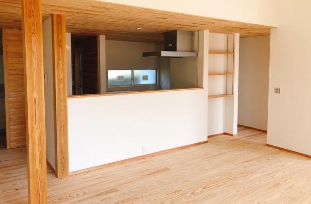 住まいず 霧島市国分重久にて「自分の山の木を使った平屋の家」の完成見学会