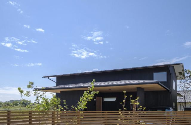 ベガハウス 鹿児島市下田にて「スキップフロアで立体的につながる2つの棟をもつ家」の完成見学会