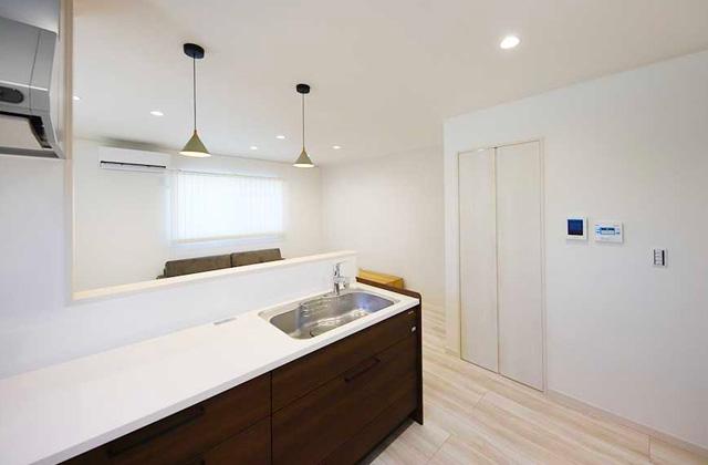キッチン - 2階建てモデル「2人暮らしでもちょっぴり贅沢に暮らす家」(霧島市)
