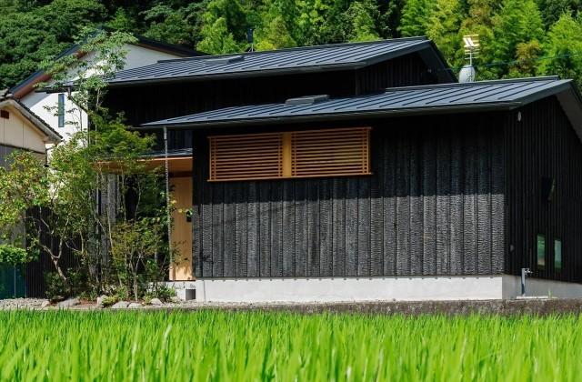 「三つ屋根の家」(鹿児島市) - ベガハウスの建築事例