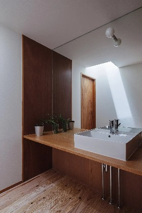 洗面スペース - 「三つ屋根の家」(鹿児島市) - ベガハウスの建築事例