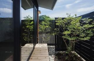 庭 - 「三つ屋根の家」(鹿児島市) - ベガハウスの建築事例
