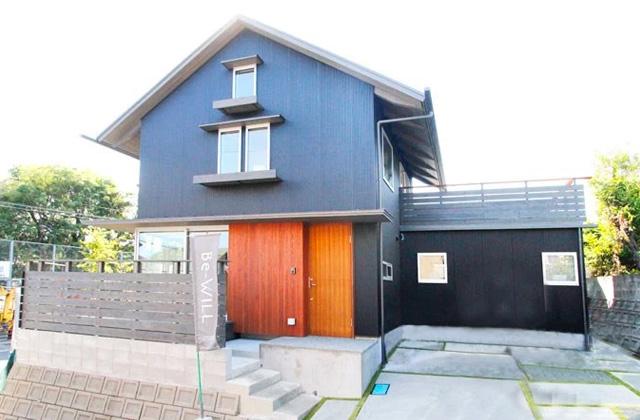 ベルハウジング 清和モデルハウス「カフェのようなウッドデッキがある木のぬくもりを感じる家」