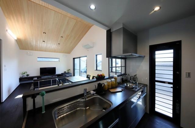 キッチン - 姶良モデルハウス「自然素材の健康住宅&IoTを駆使したスマートハウスな平屋」(姶良市)