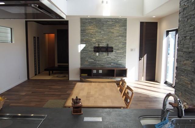 感動 屋久杉の古材を利用したハイカラ和室など素材にこだわった家