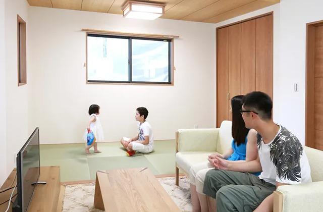 白と木目を基調にシンプルにまとめた子育て家族に優しい住まい - デイジャストハウス - 施工事例