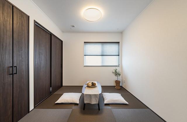 白と黒を基調とした、スタイリッシュでかっこいい家 - デイジャストハウス - 施工事例