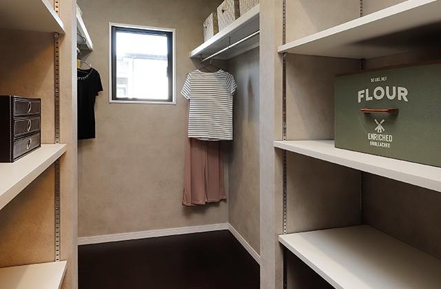 ウォークインクローゼット - 隼人町住吉モデル「月々3万円台〜、ローコストなのにおしゃれで高品質な家」(霧島市)
