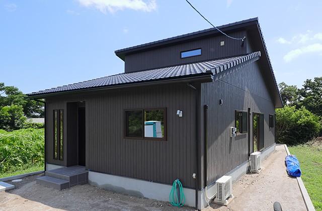外観 - 古民家カフェのような木のぬくもりある和モダン平屋 - 建築事例 - デザインカフェスタジオ