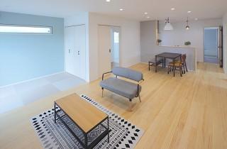 LDK - 北欧の雰囲気を感じる優しい色あいが心地よい平屋 - 建築事例 - デザインカフェスタジオ