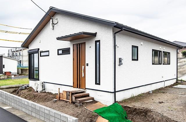外観 - 北欧の雰囲気を感じる優しい色あいが心地よい平屋 - 建築事例 - デザインカフェスタジオ