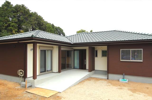 外観バリアフリー仕様の二世帯住宅は和風で優しいお家 - 建築事例 - デザインカフェスタジオ
