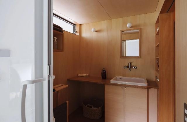 洗面スペース - 「二つの屋根の家」(鹿児島市) - ベガハウスの建築事例