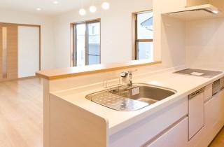 アイフルホーム 収納豊富&食洗機付き機能性にも優れたシステムキッチン