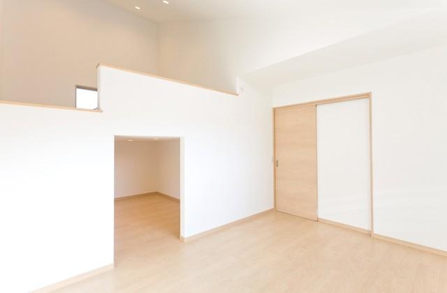 アイフルホーム 2階の寝室には5.5帖の蔵を設置し、上部はロフトで空間を有効活用