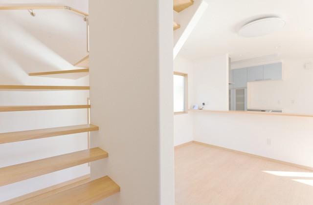 アイフルホーム 空間に開放的な広がりを持たせるオープン階段