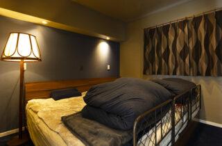 寝室 - さまざまな要望を予算内で叶えたオールステンレスキッチンの平屋 - アイフルホーム - 施工事例
