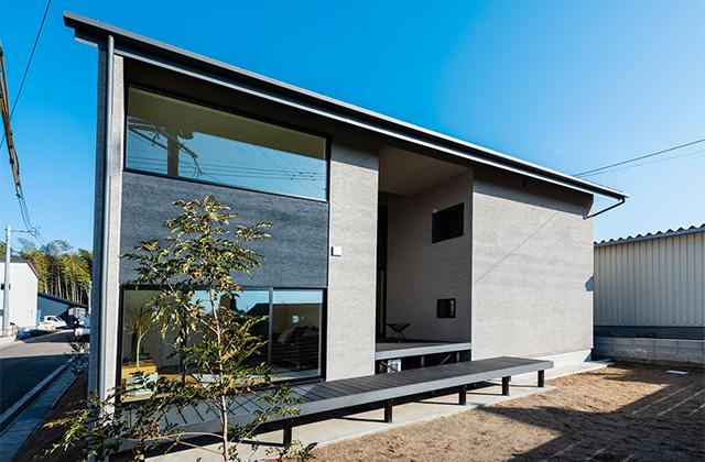 有名建築家チームと創ったデザイン住宅「軒下で楽しむ、彩りのある家」 - 建築事例 - アイフルホーム