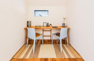 作業スペース- 有名建築家チームと創ったデザイン住宅「軒下で楽しむ、彩りのある家」 - 建築事例 - アイフルホーム