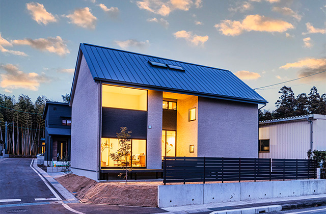 外観- 有名建築家チームと創ったデザイン住宅「軒下で楽しむ、彩りのある家」 - 建築事例 - アイフルホーム