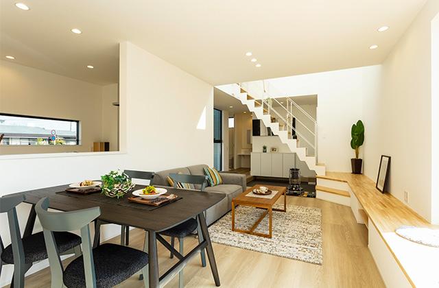 暮らしやすく子育てもしやすい吹き抜けのあるシンプルな2階建て - アイフルホーム - 建築事例