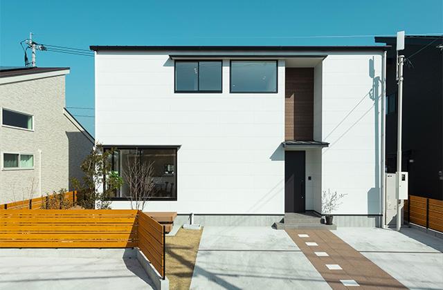 外観 - 暮らしやすく子育てもしやすい吹き抜けのあるシンプルな2階建て - アイフルホーム - 建築事例