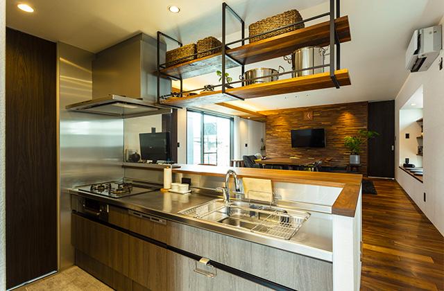 キッチン - 内装から家具までトータルにデザインした蔵のある平屋 - アイフルホーム - 建築事例