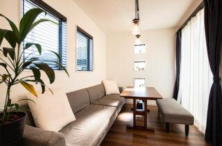 カフェのような空間 - 大空間リビングやカフェ風室内窓などすべてがお気に入りの2階建ての家 - アイフルホーム - 建築事例