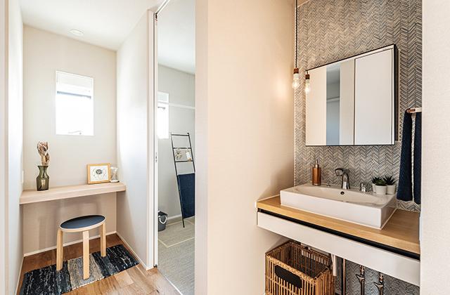 ガルバとタイルの美しく上品な佇まいの注文住宅「招き庇と濡縁の平屋」 - 建築事例 - アイフルホーム