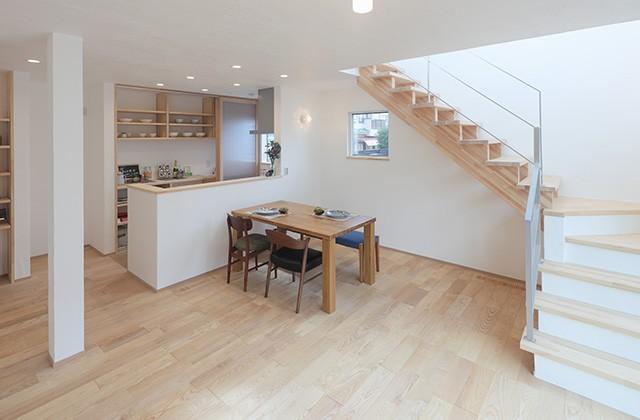 グッドホームかごしま 坂之上モデルハウス「漆喰と無垢の家 ウッドライフハウス」(鹿児島市坂之上)