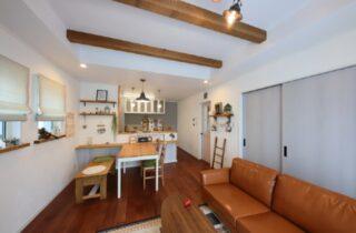 リビング - J・M・C - 建築事例 - 無垢材&漆喰塗り壁 カフェのようなホッとするかわいいお家