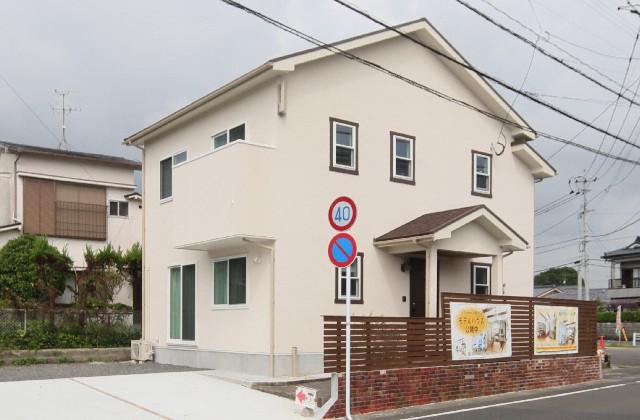 外観 - - J・M・C - 建築事例 - 無垢材&漆喰塗り壁 カフェのようなホッとするかわいいお家