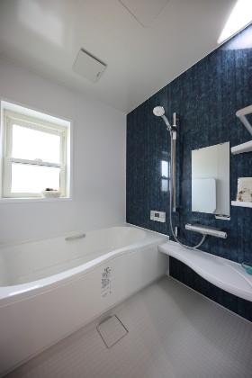 バスルーム - かわいい見た目だけじゃない塗り壁&第2のリビングになる土間のある家 - 施工事例 - JMC