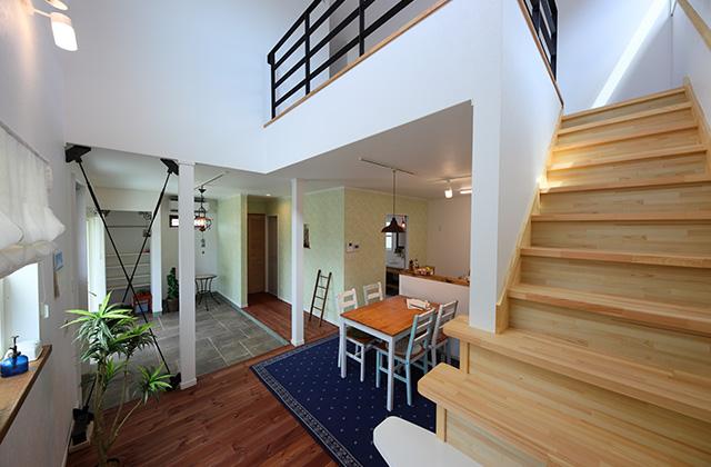 かわいい見た目だけじゃない塗り壁&第2のリビングになる土間のある家 - 施工事例 - JMC