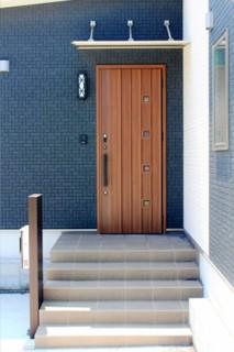 玄関 - 建築実例 かえるホーム