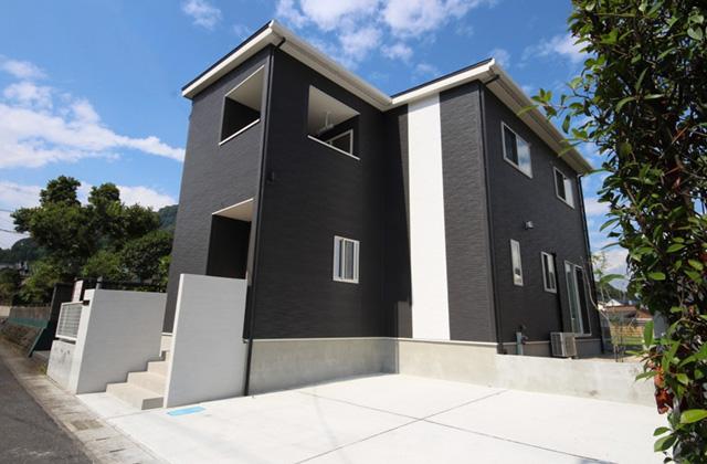 かえるホーム 建築実例 収納豊富で暮らしやすいナチュラルな雰囲気の5LDK2階建て