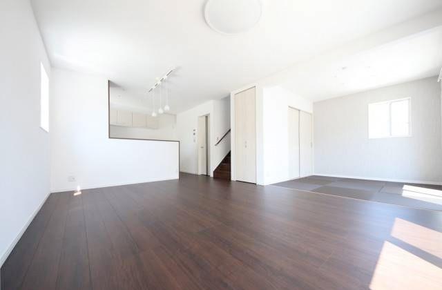 かえるホーム 加治木木田E 5LDK 新築一戸建て「子育てしやすい立地にあるシンプルモダンな家」(姶良市)