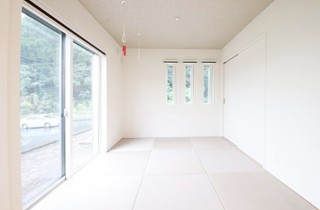 国分ハウジング 建築事例 ランドリースペースも兼ねた和室