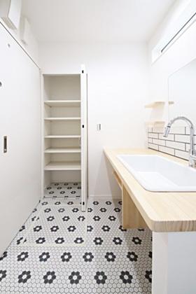 国分ハウジング 建築事例 清潔感のある可愛い洗面脱衣室