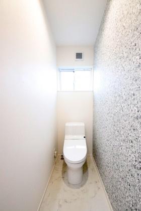 国分ハウジング 建築事例 2階のトイレ