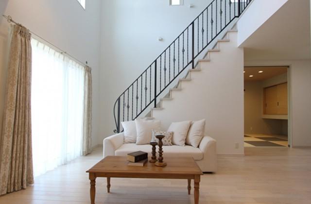 国分ハウジング 川上モデルハウス「吹抜けが開放的で明るい北欧スタイルの家」(鹿児島市)