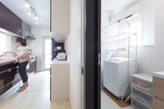 家事がしやすい動線 - 子育て・家事ラクな家づくりの間取りプラン - 建築事例 - レオハウス