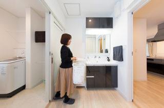 家事動線 - スキップフロア+平屋で2階建感覚で暮らせるアイデアプランの平屋 - 建築事例 - ヤマダレオハウス