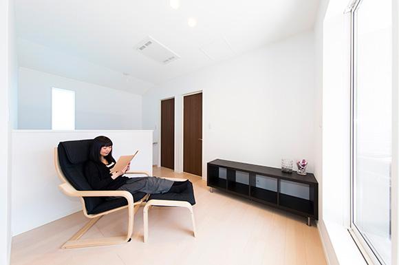 オープンスペース - 趣味のDJを楽しむ遮音性が高いおしゃれなLDKのある家 - 建築事例 - ヤマダレオハウス